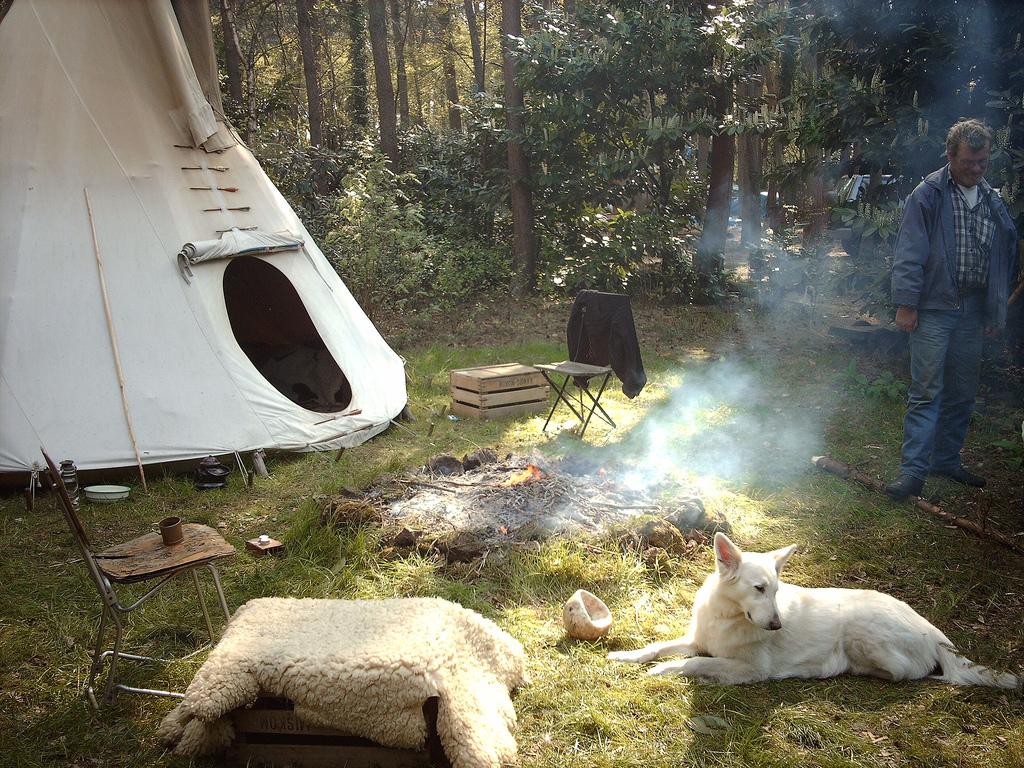 Divlje kampiranje u prirodi