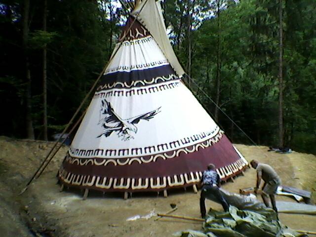 Raspored 8m šatora u prirodi