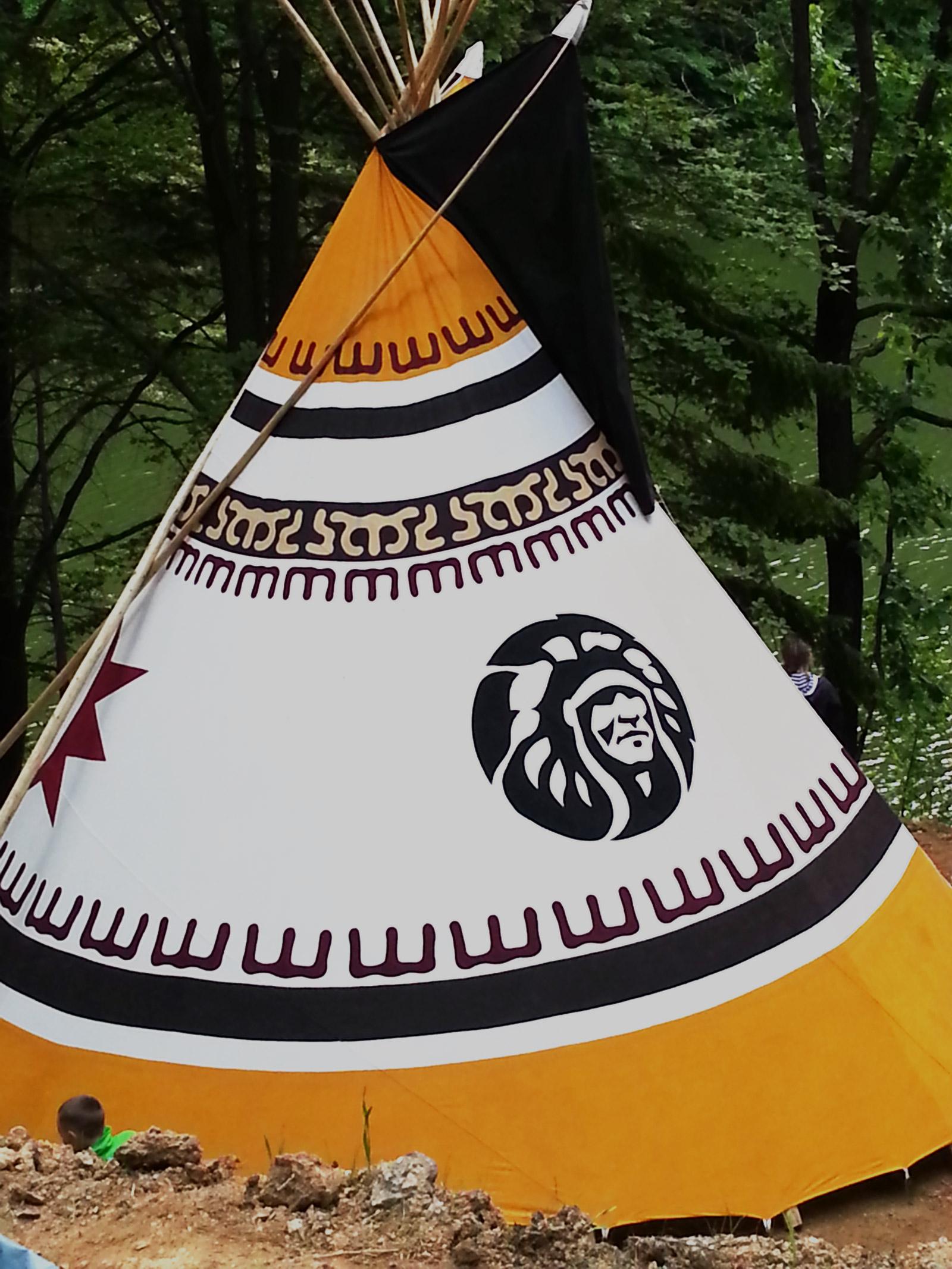 Naslikan šator u kampovi